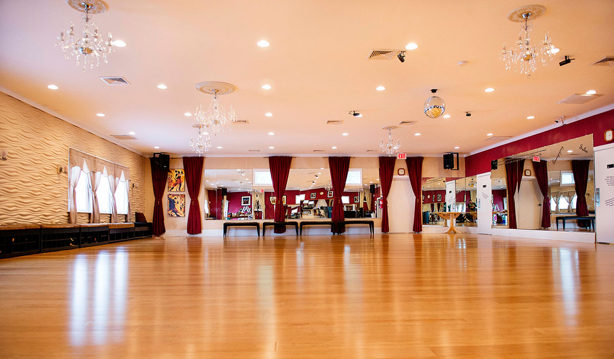 salsa dance floor The mambo is a popular cuban style of music and dance, sure to pump up any party or dance floor  by wonderhowto salsa dancing, like salsa the food,.